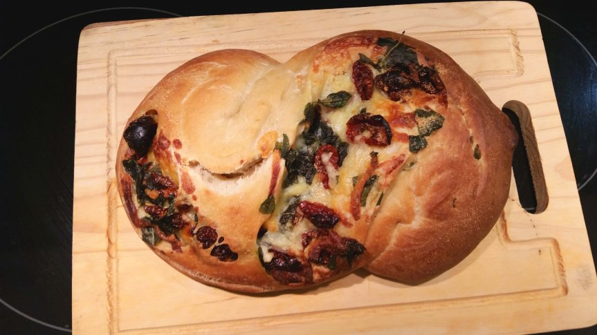 Sun-dried Tomatoes, Basil, and Cheese Bread