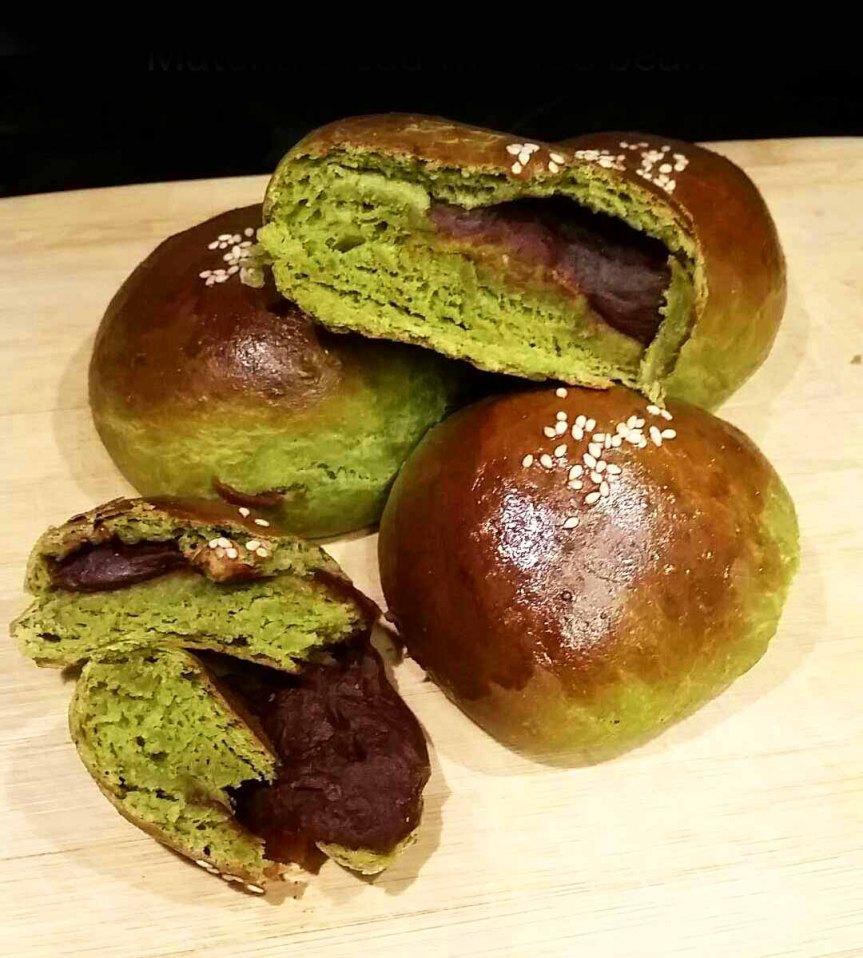 Matcha Green Tea Milk Bread with Azuki Red BeanFilling