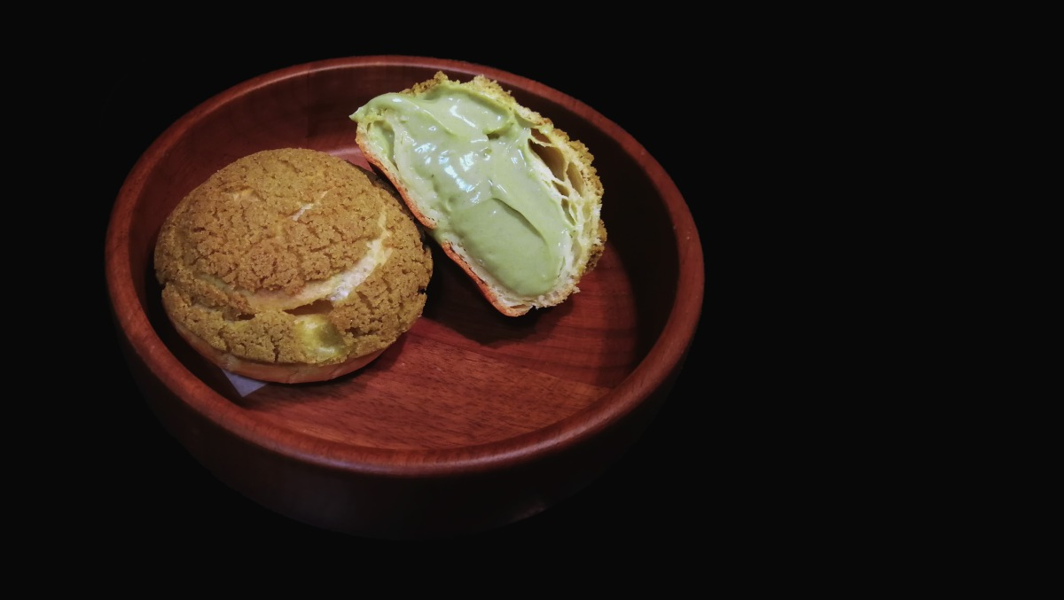 Choux au Craquelin with Matcha Namelaka (Green Tea Cream Puffs)