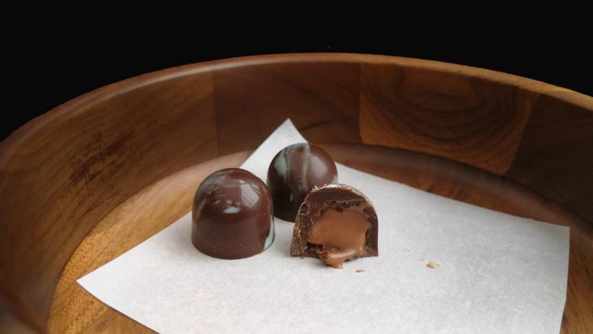 Chocolate Truffles with Earl Grey Milk Chocolate NamelakaFilling